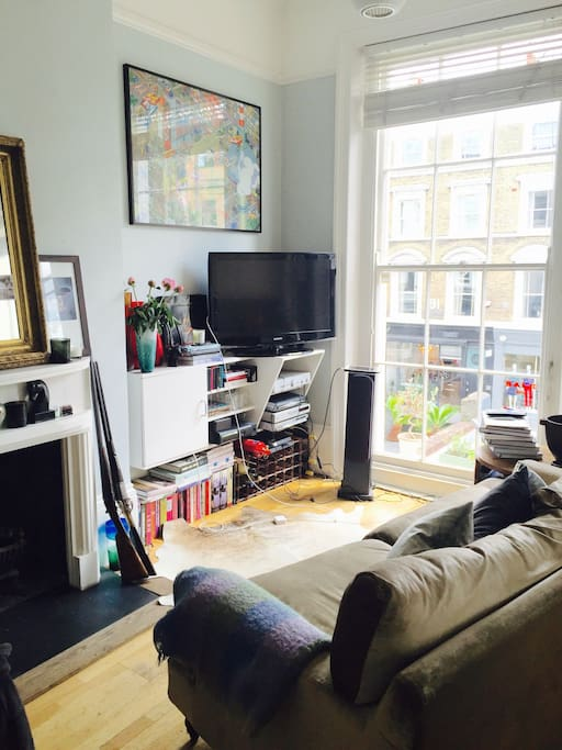 Light , large windows, high ceilings and great TV/ Stereo system.