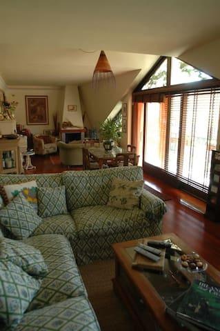 Splendido appartamento nel verde a 30 min da Roma.
