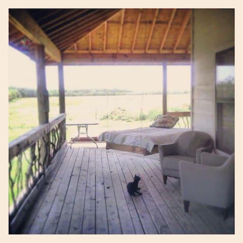 Cozy Homesteading Experience - Wichita Falls - Mökki
