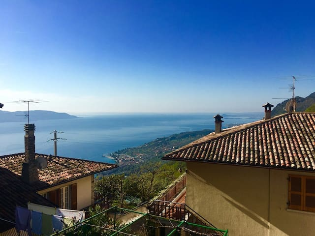 Idyllic with view of Lake Garda - Rustico Pietre Antiche, Apartment 5