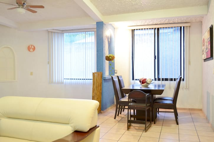 Departamento completo Zapopan - Valle Real - Apartment