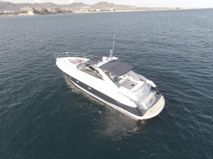 """Stay onboard """"La Folie"""" Yacht"""
