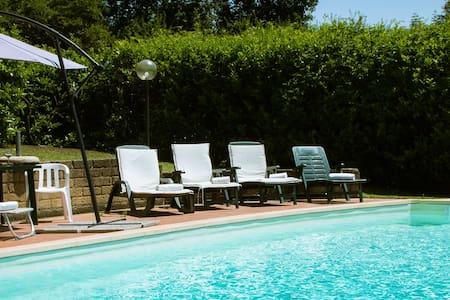 Villa Colombaiolo - Castellina Scalo