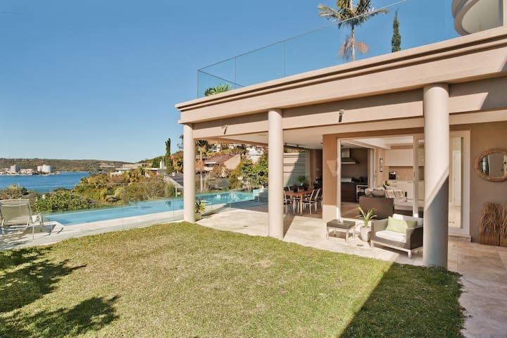 Villa Manly