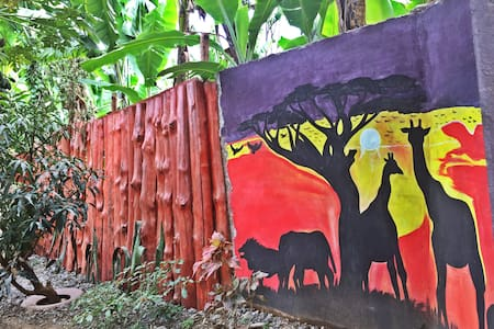 Private Room #1: Lovely Tanzanian Family Homestay
