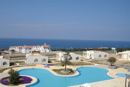 Seaview Apartment FREE WIFI - Girne - Appartement