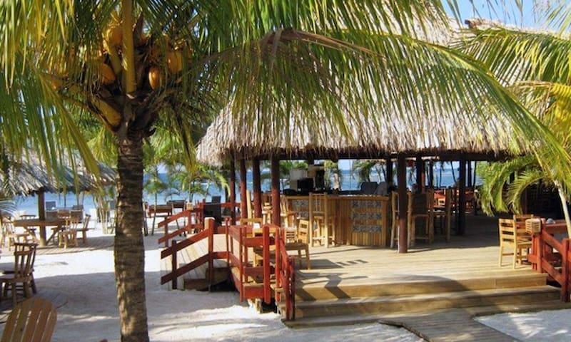 2 Bdrm Luxury Villa, Las Palmas Beach, 2 Pools +++