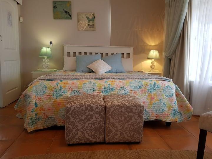 ATLANTIS MANOR *BEACH FRONT *Uvongo Accommodation