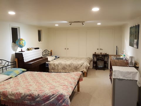 Clean & Large PRIVATE Ensuite Comfy Room