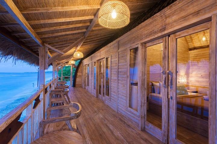 Best Beach Front Balcony Room Nusa Penida Sun Sun