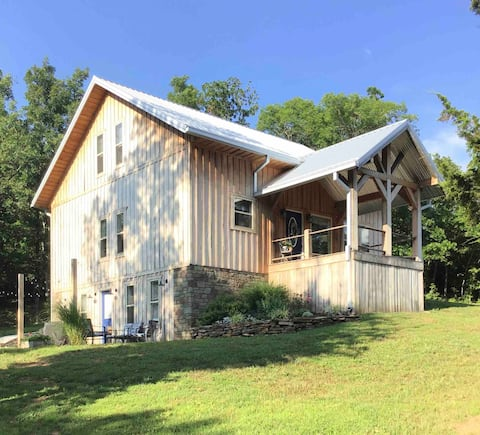 Getaway in the heart of the Ozarks