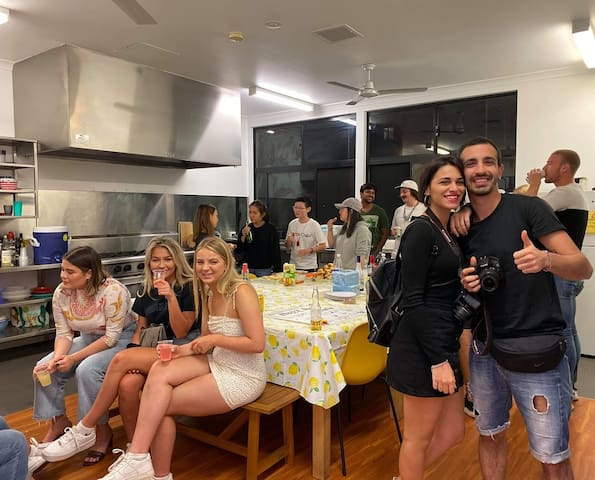 R5B2 Downtown Backpackers Hostel Perth Ladies Only