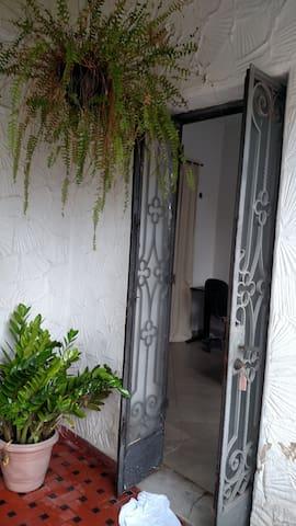 Quarto, entrada Independente e banheiro privativo!