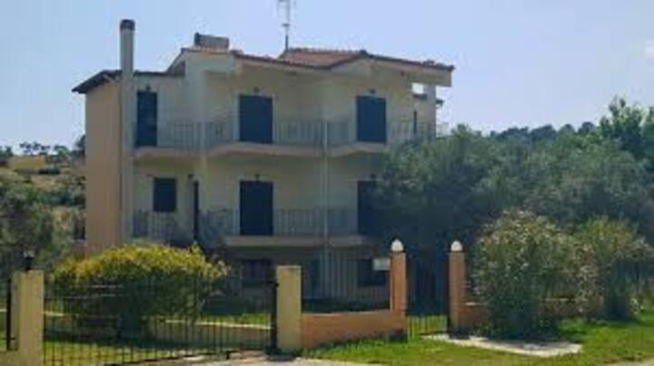 MARINOS HOUSE MAISONETTE