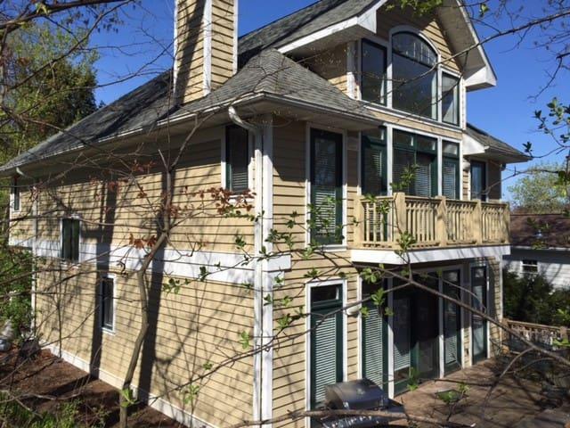 Beautiful home close to beach - Fontana-on-Geneva Lake - House