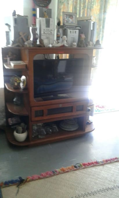 T.V entertainment set