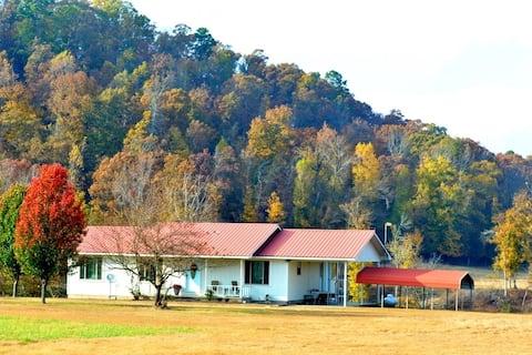 Karen's Country Cottage on Kates Creek, LLC
