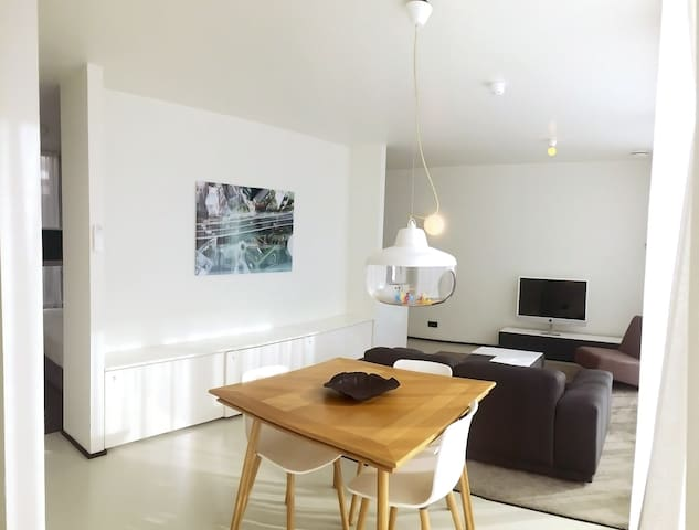 Urban Suite Apartment >Fully Serviced! (55m2)