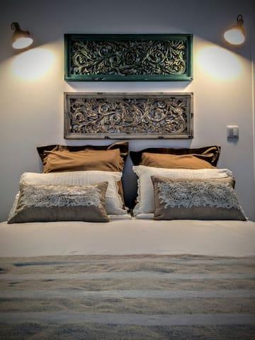 Charming and Vintage Apartment at Belém
