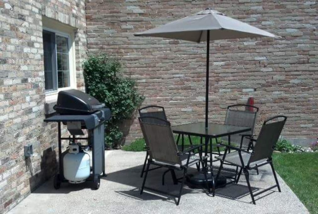 Outdoor patio with BBQ just off kitchen