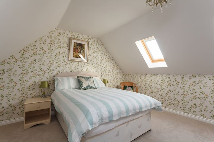 Gigantic room with own sitting area - Hampshire - Bed & Breakfast