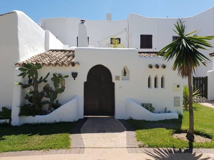 Preciosa casa en primera linea de playa