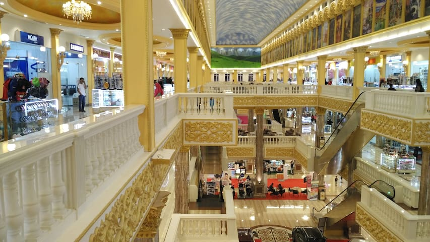 Grandmall Maros menjual macam-macam barang, dari elektronik sampai makanan  You can find various things in Grandmall Maros, from electronics to foods.