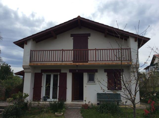 Chambre double /Belle Maison Basque - Ciboure - Talo