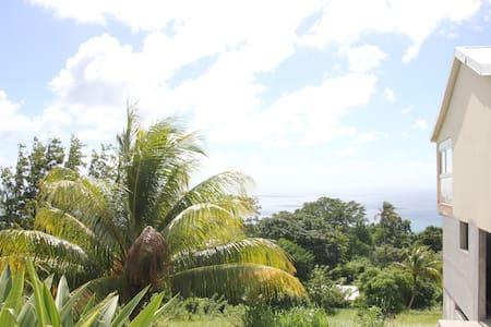 Villa en Martinique vue sur mer - Sainte-Luce