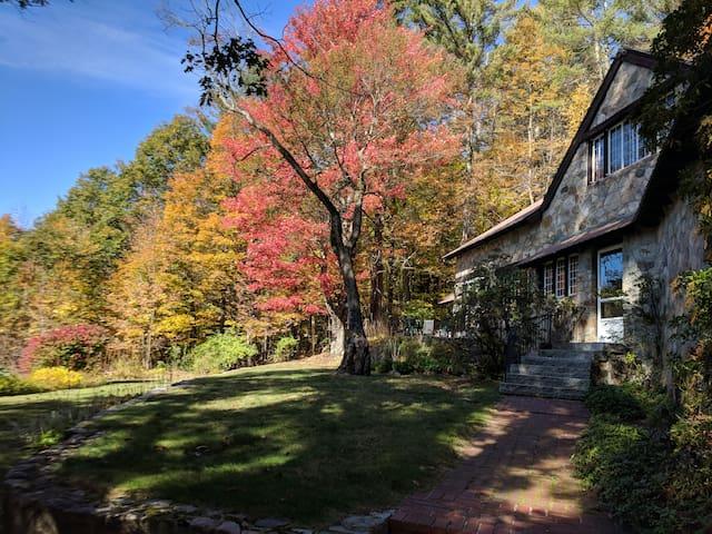 The Upland Lodge - Freedom, New Hampshire