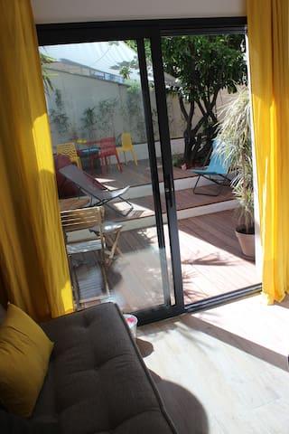 chambre RdeC avec accès terrasse