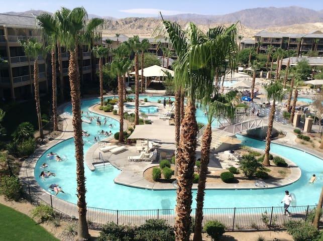 Coachella 4/13-4/20 and 4/20-4/24 - Indio - Timeshare (právo užívat zařízení pro ubytování na stanovený časový úsek během roku na mnoho let dopředu - minimálně 3 roky)