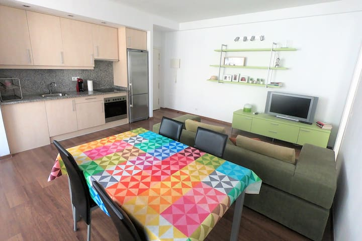 Cozy 2 bedroom apartment in Colera