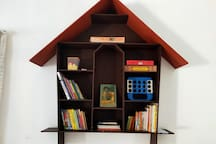 Childrens Library and Board games