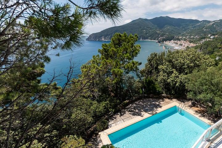 Villa Elisabetta, luxury property in Moneglia