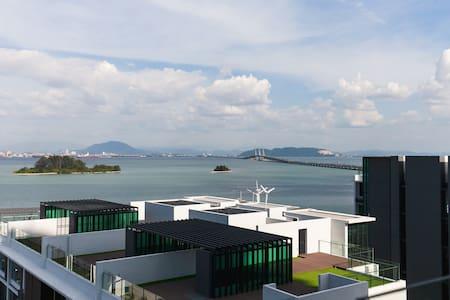 Brand New  5* Luxury waterfront Sky Villa - Gelugor - Condominium