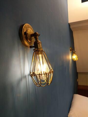 舒服的床頭照明燈