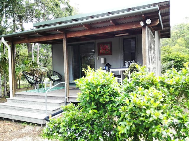 Self contained guesthouse near Bush & Beaches