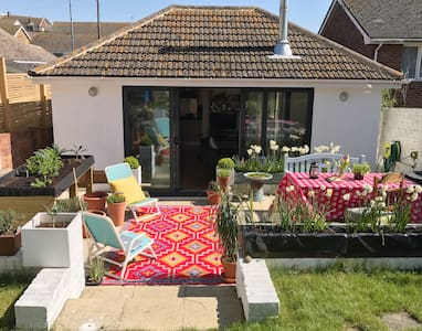 Stylish home close to the coast and South Downs - Saltdean - 平房