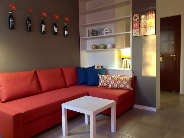 ORANGE HOUSE cheap&chic! easy access to centre - Milano - Apartemen
