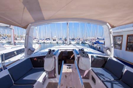 Alojamiento en barco de lujo - Barcelona