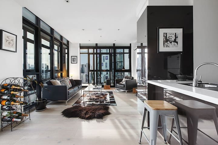 Penthouse Suite in the Sky ★ 40th Floor Luxury