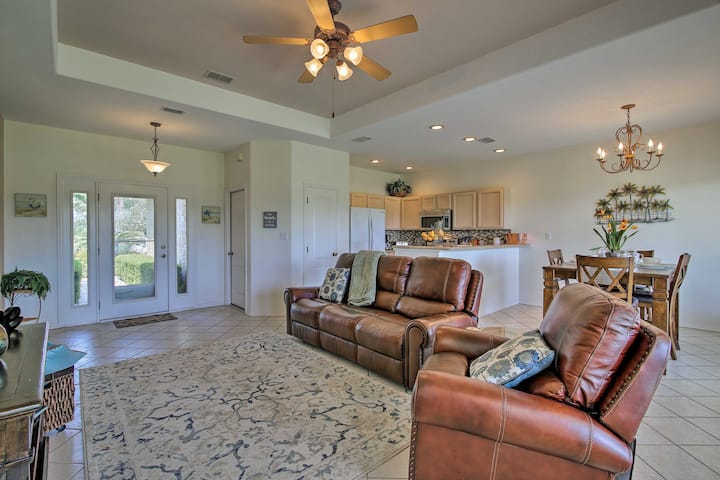 Condo on Golf Course 10 Mi to South Padre Island!