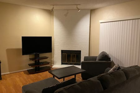 Recently Updated Condo ★Arlington★ by AT&T Stadium