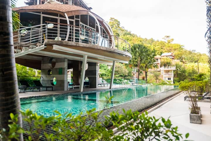 ET420 - Pool view Patong studio with pool and parking