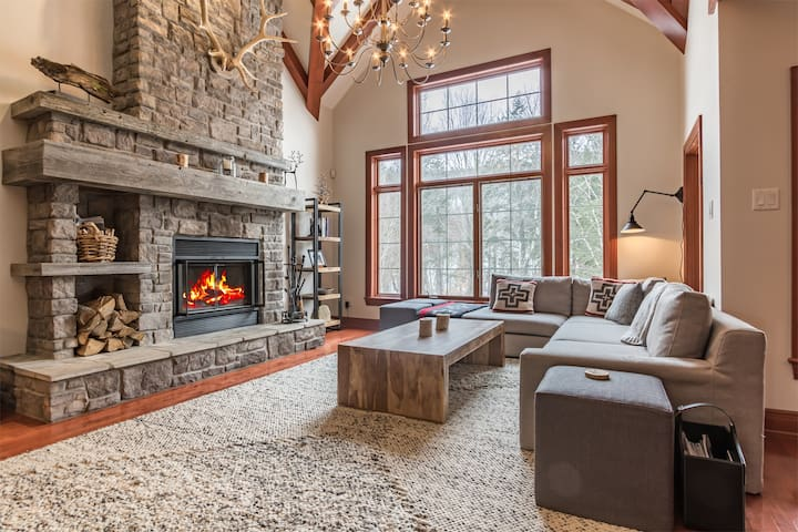 Luxury Ski in/out Chalet Directly on Nansen Run