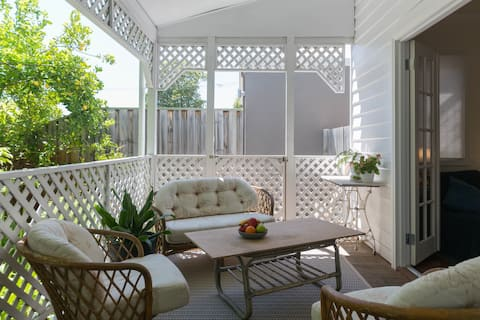 Character Cottage-Suite No2-only 3km Perth CBD
