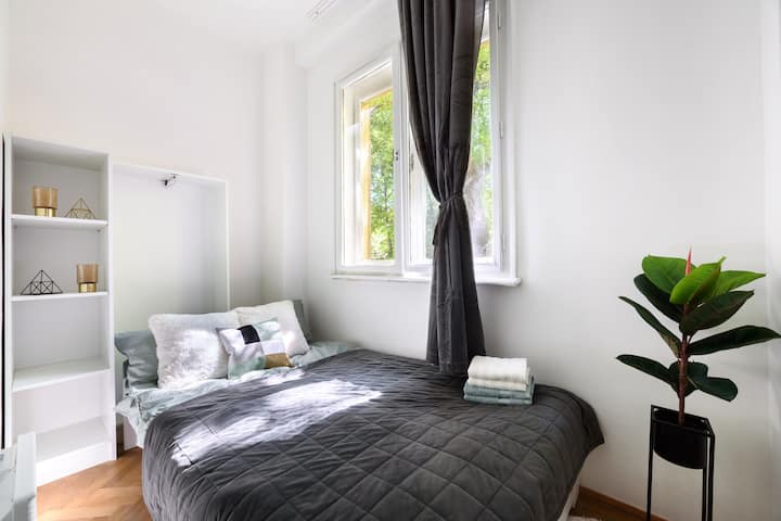 DoubleBed in a New&Trendy ApartmentHouse- Room 2