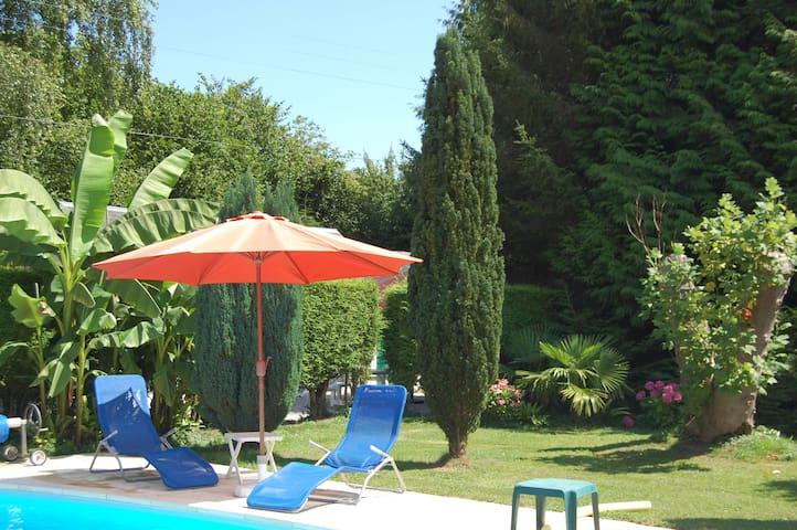 Cottage dans  propriété à 5mn de Deauville - Tourgéville - Casa