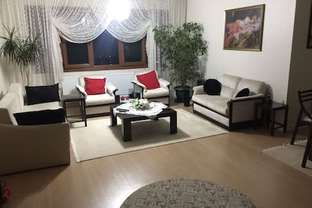 Central Flat near Bus / Subway / Shuttle Station - Çankaya